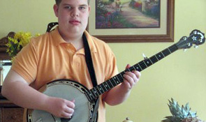 14 year old kentucky boy invents five finger banjo style. Black Bedroom Furniture Sets. Home Design Ideas